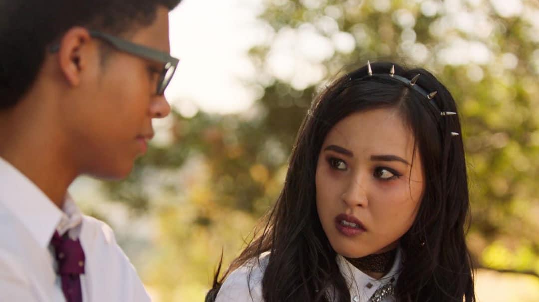 Nico discutiendo con Alex en Runaways