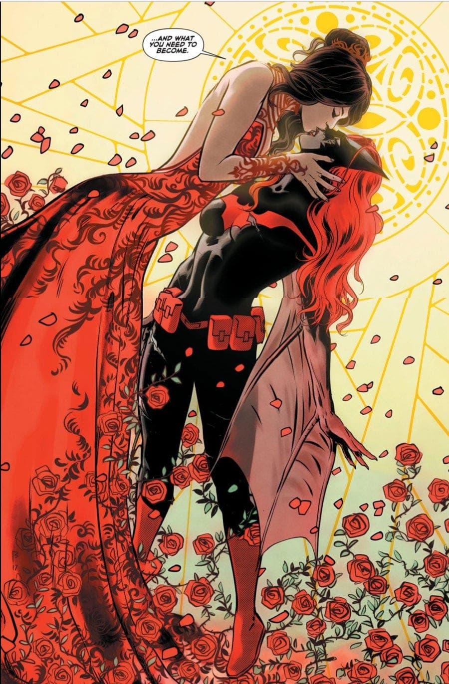 Batwoman y Safiyah besándose