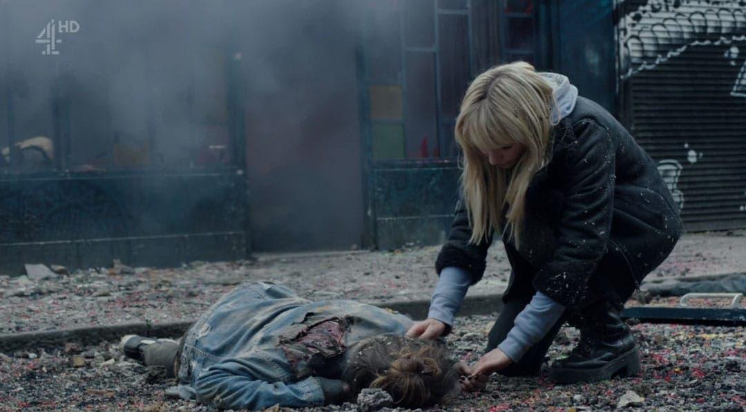 Niska y Astrid tras la explosión