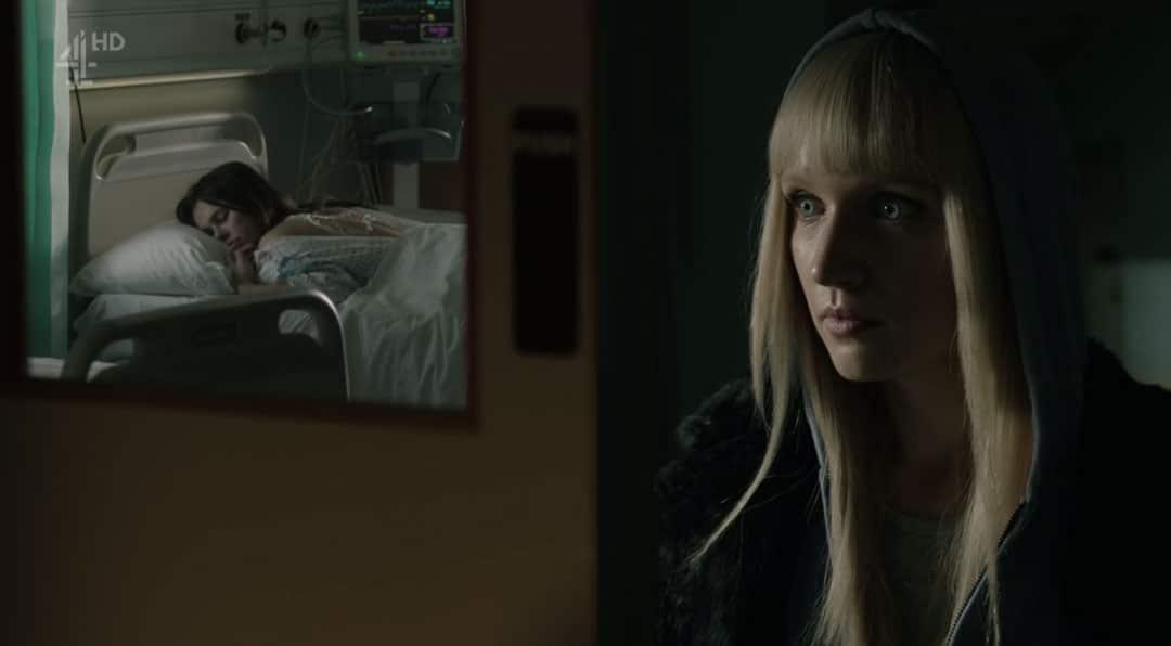 Niska cuidando de Astrid