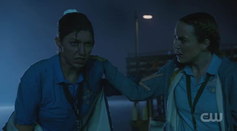 Ava y Sara caen en la trampa