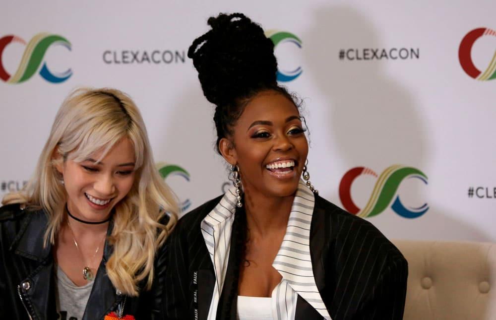 Nafessa Williams y Chantal Thuy en la ClexaCon 2019