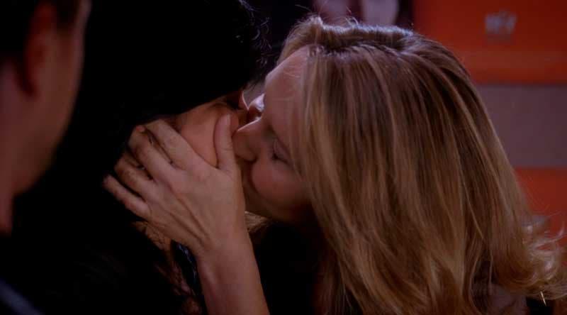 Callica besándose