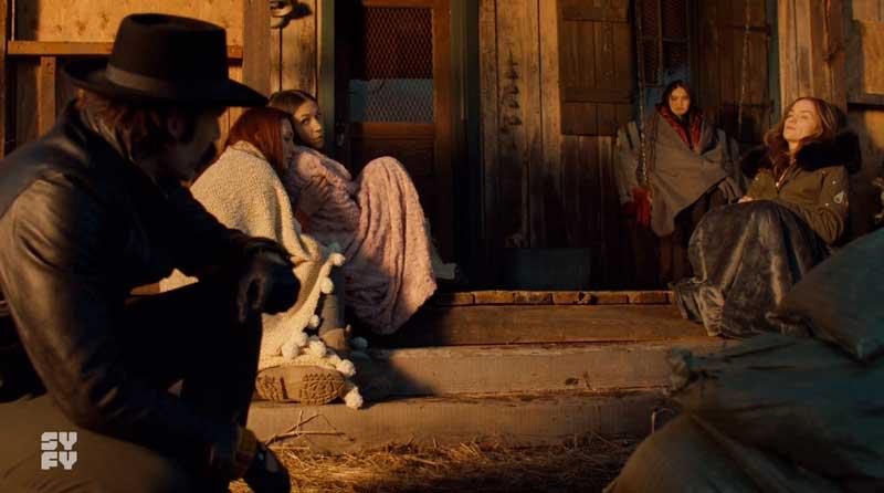 La familia Earp reponiéndose