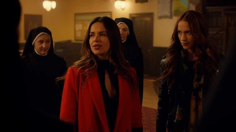 Rosita y Wynonna en el convento