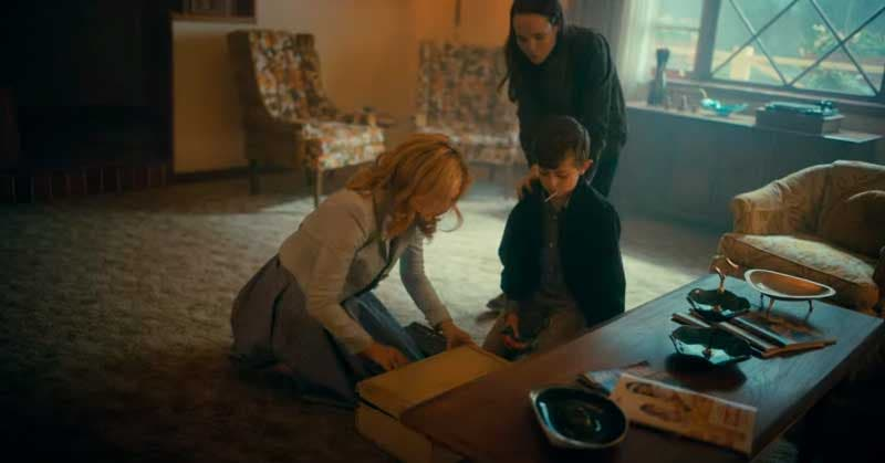 Vanya, Sissy y Harlan haciendo la maleta