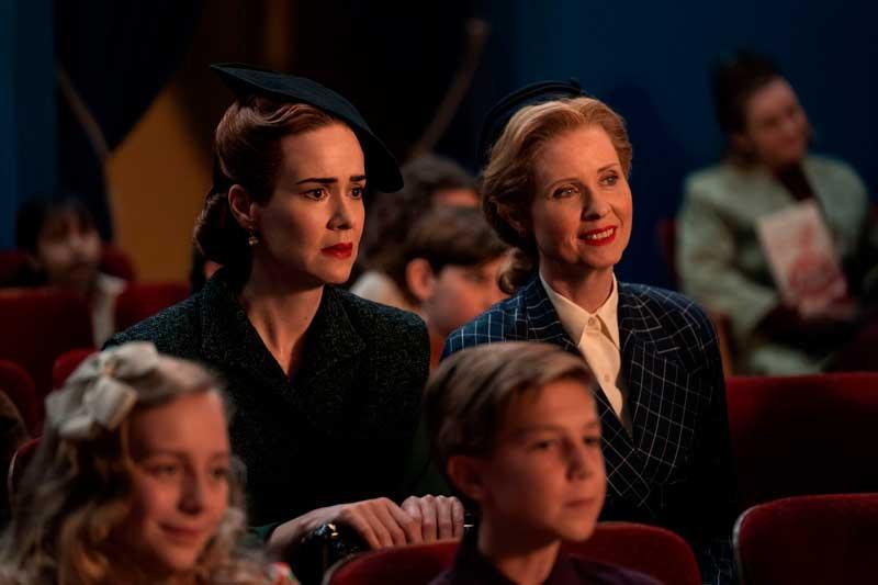 Gwendolyn y Mildred en el teatro