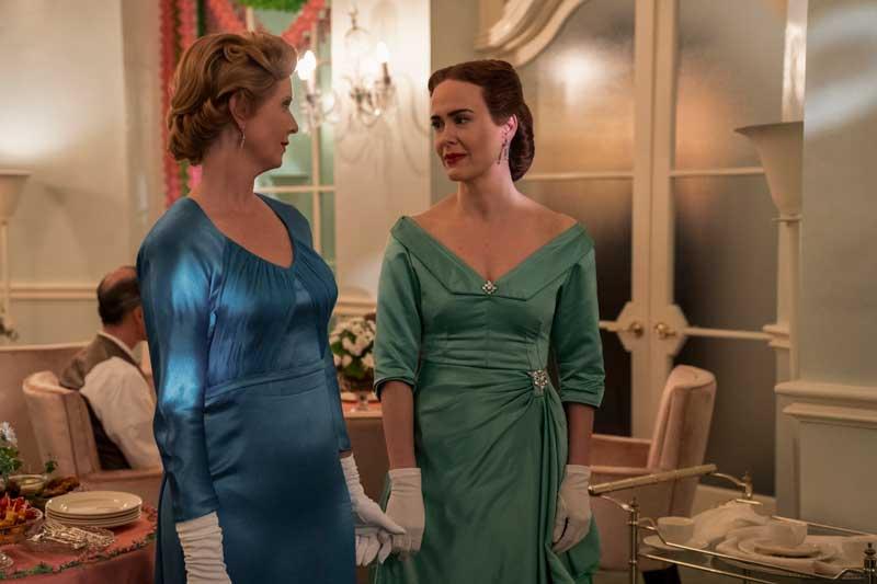 Mildred y Gwendolyn en el baile