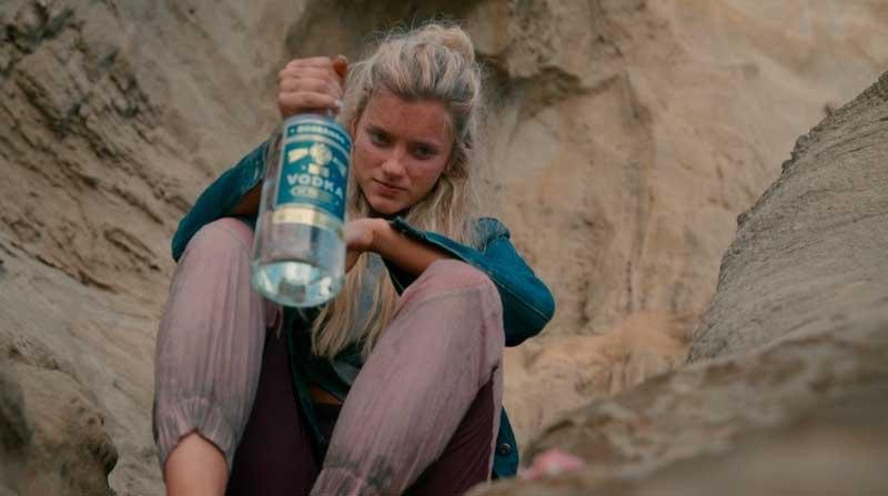 Shelby bebiendo alcohol