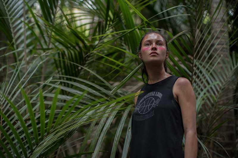 Toni Shalifoe personaje lésbico The Wilds